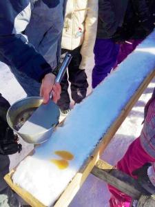 Tire sur la neige | Maple syrup taffy pops
